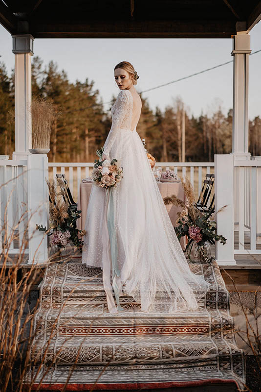 Bride posing in Nestors Lust House